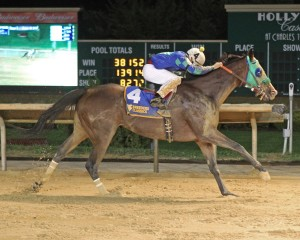 Spa Creek won the WVBC Distaff. Photo by Coady Photography.